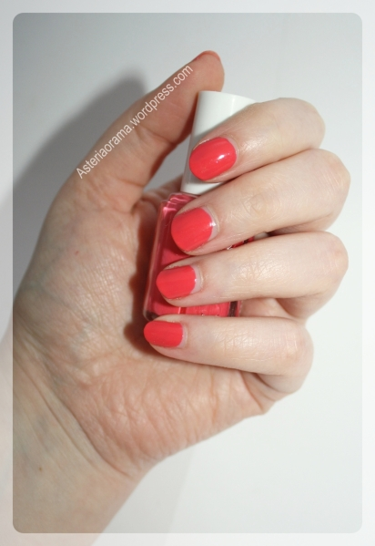 Cute As A Button - Essie - swatch
